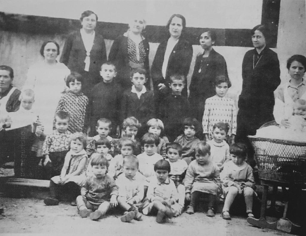 """Anonimo, """"Opera nazionale maternità e infanzia"""", Santhià, 1930"""