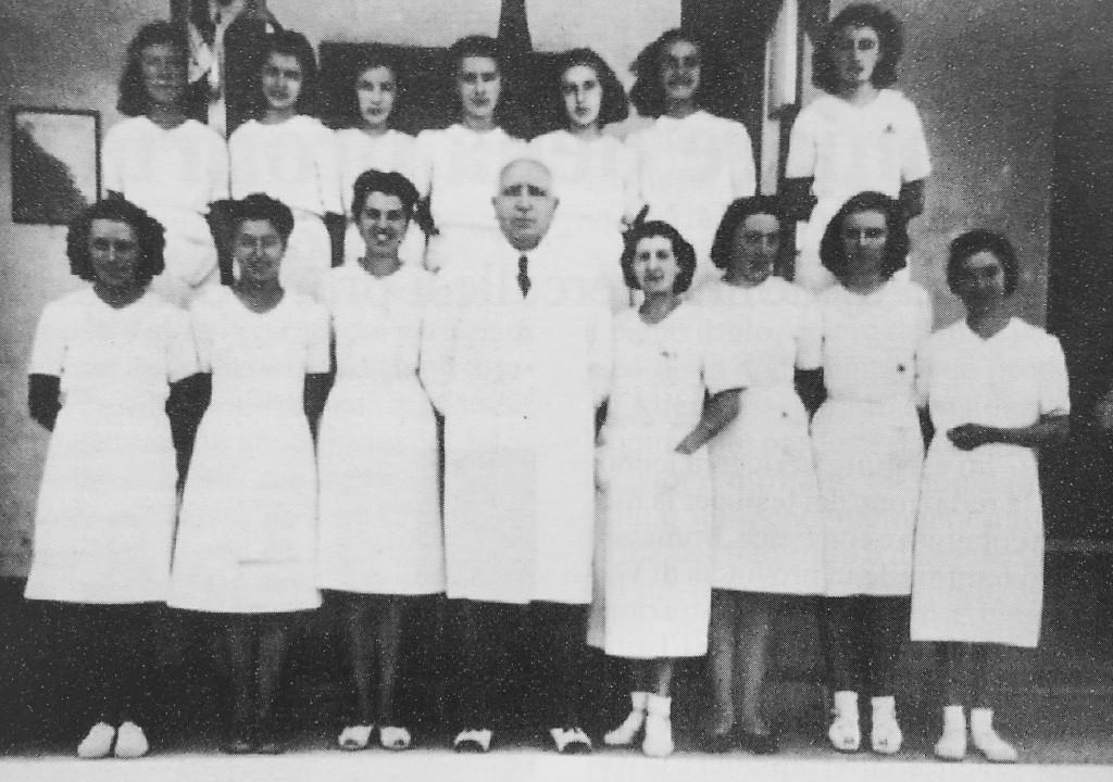 """Anonimo, """"Infermiere dell'ospedale"""", Trino, 1940 circa  (Biblioteca civica di Trino)"""