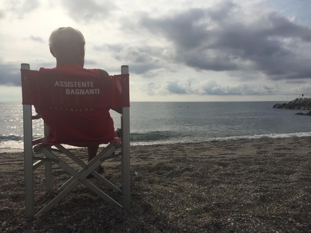 Il mio amico Lino davanti al mare. Loano, 6 settembre 2017